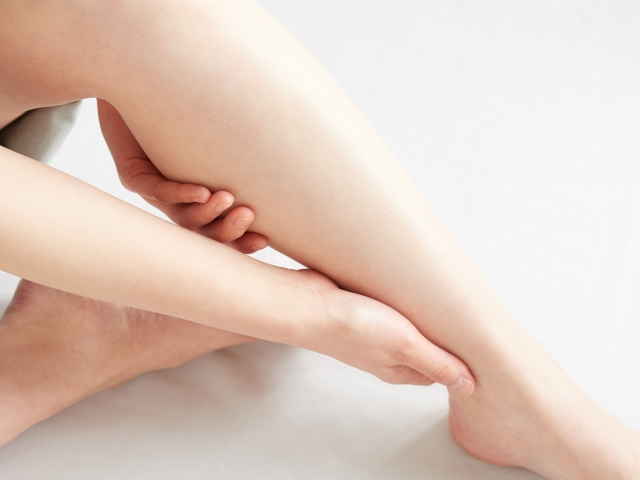 Swelling foot massage
